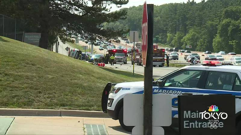Beltline crash causes power outages