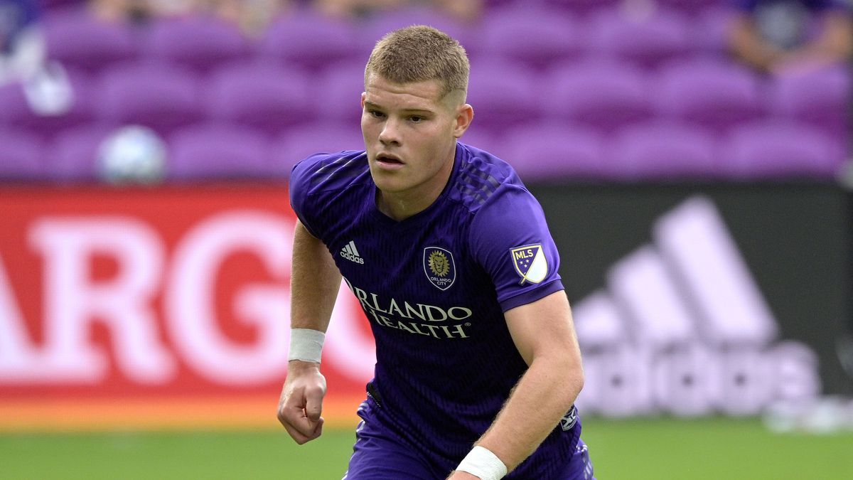 Orlando City forward Chris Mueller (9) follows a play during the first half of an MLS soccer...