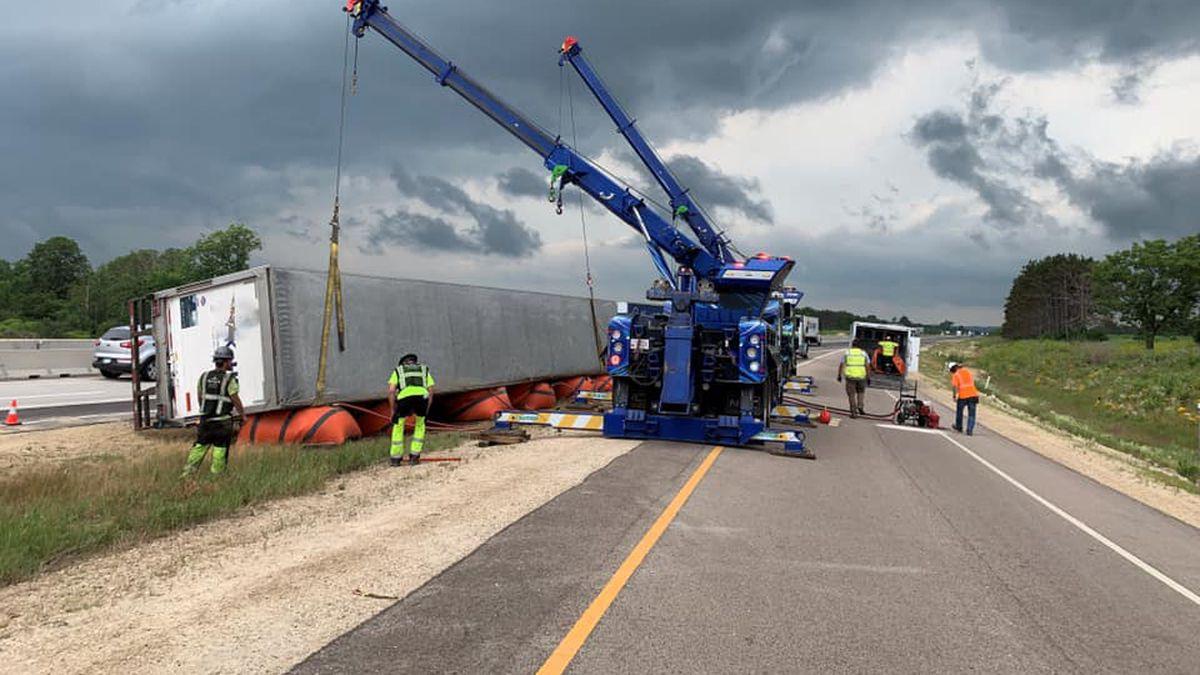The semi crash on I-94 in Saint Crois County