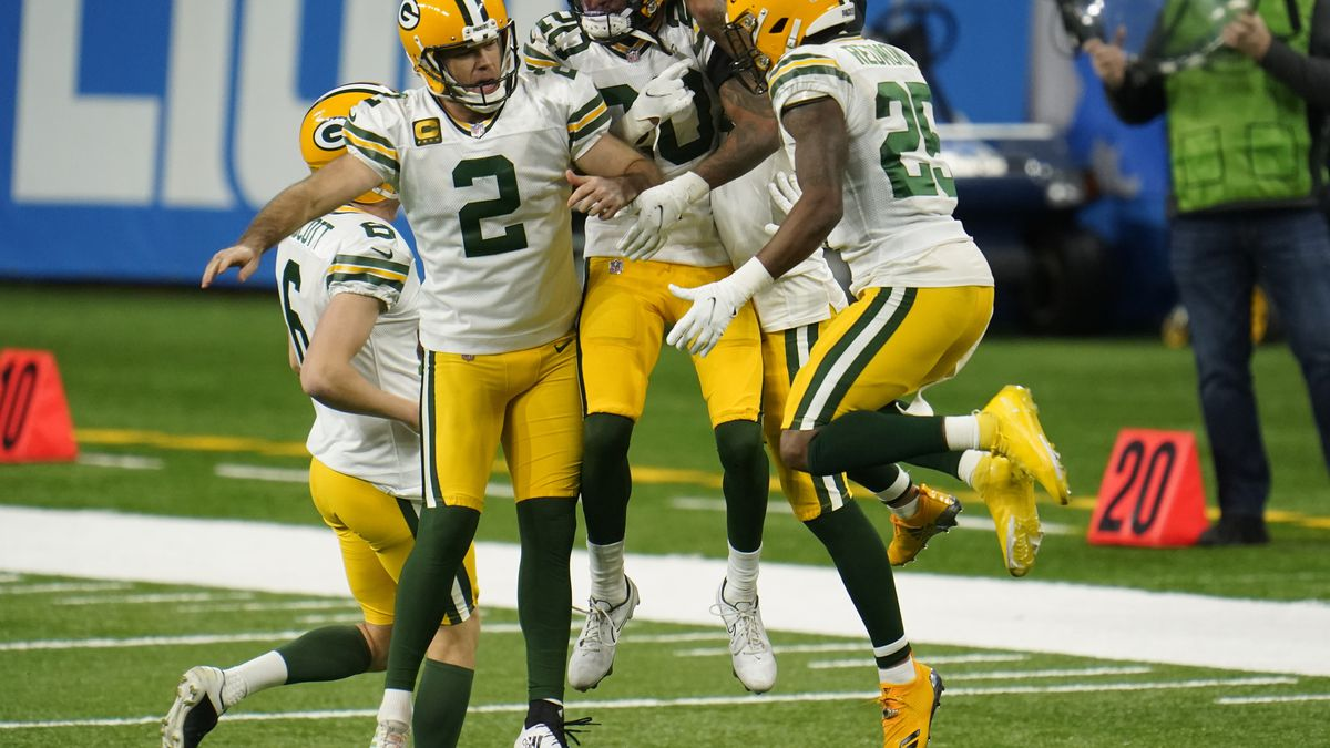 Green Bay Packers kicker Mason Crosby (2) celebrates his field goal with teammate during the...