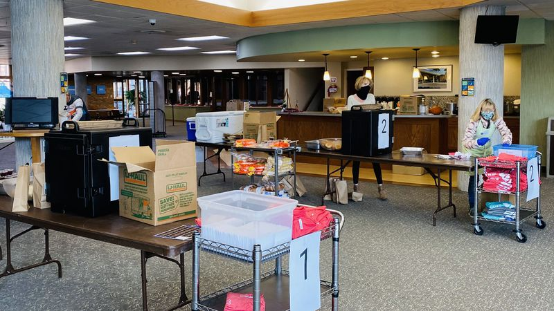 Good Shepherd Lutheran Church hosts To-Go Thanksgiving Day meal drive.