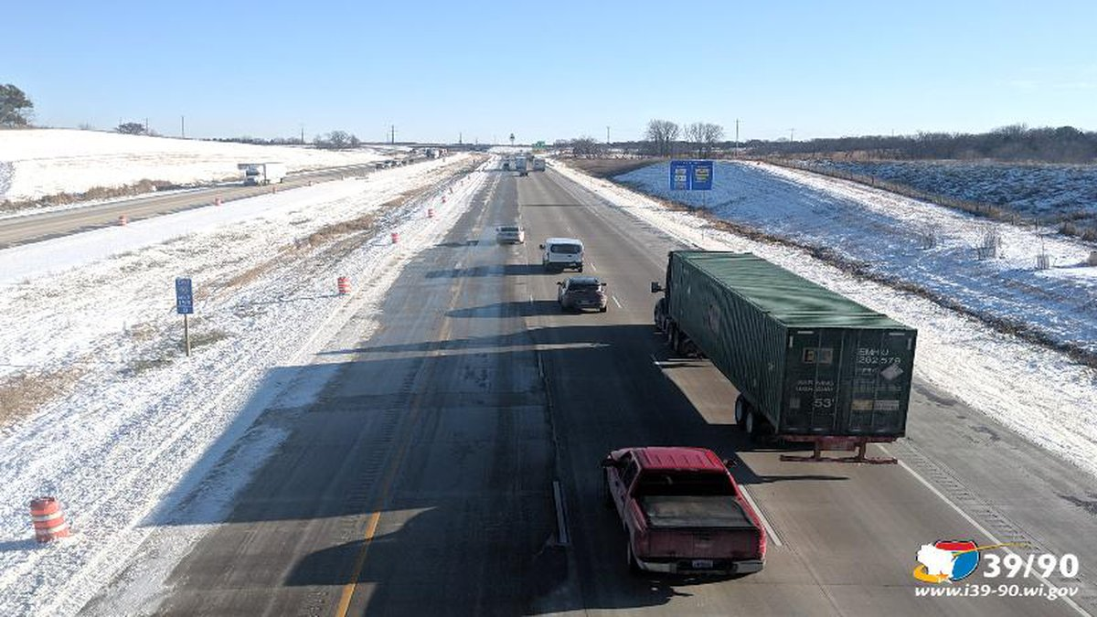 Southbound I-39/90 opened to its final three-lane configuration from Madison to Edgerton....