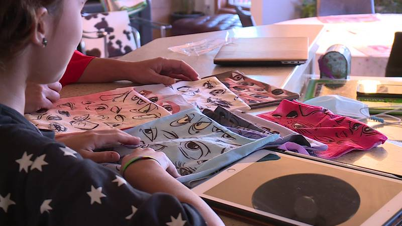 A Madison mom and daughter turned their love of drawing and art into a business for a good cause.