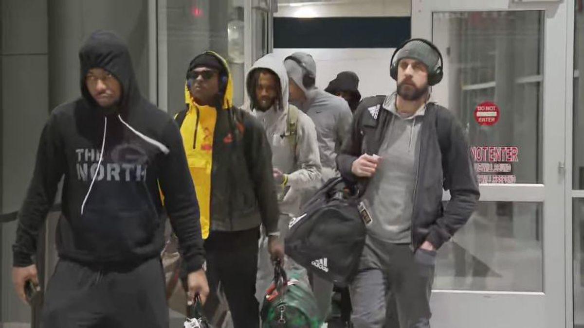 The Green Bay Packers returning to Green Bay on Monday (Source: FOX11)