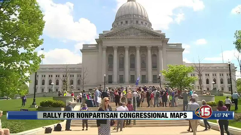 Supporters of the bill say it would create more competitive districts and hold lawmakers...