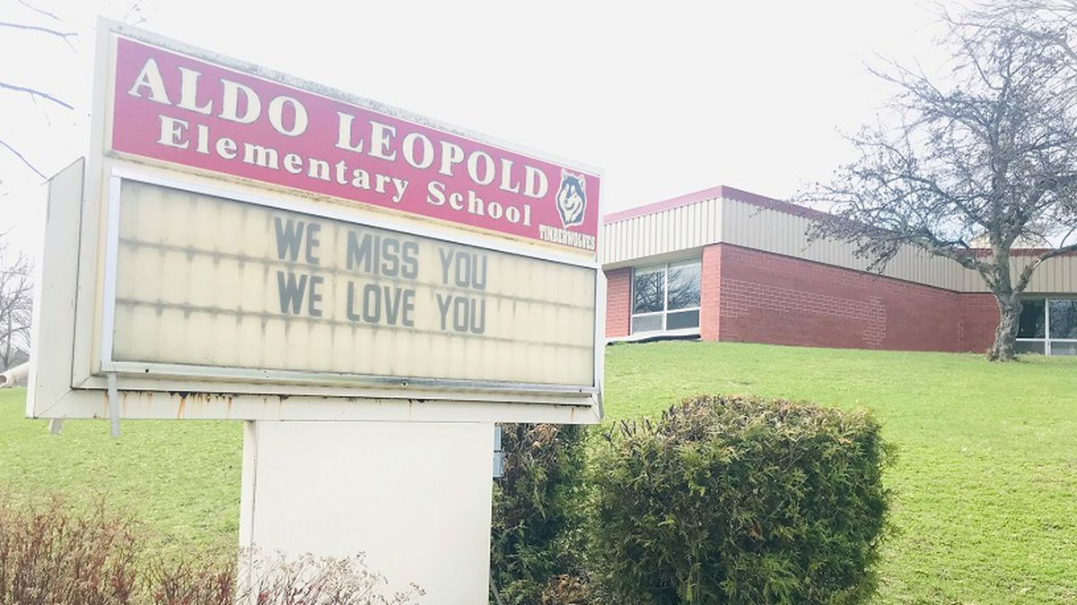 The sign outside Leopold Elementary School (Source: Leopold Elementary School)
