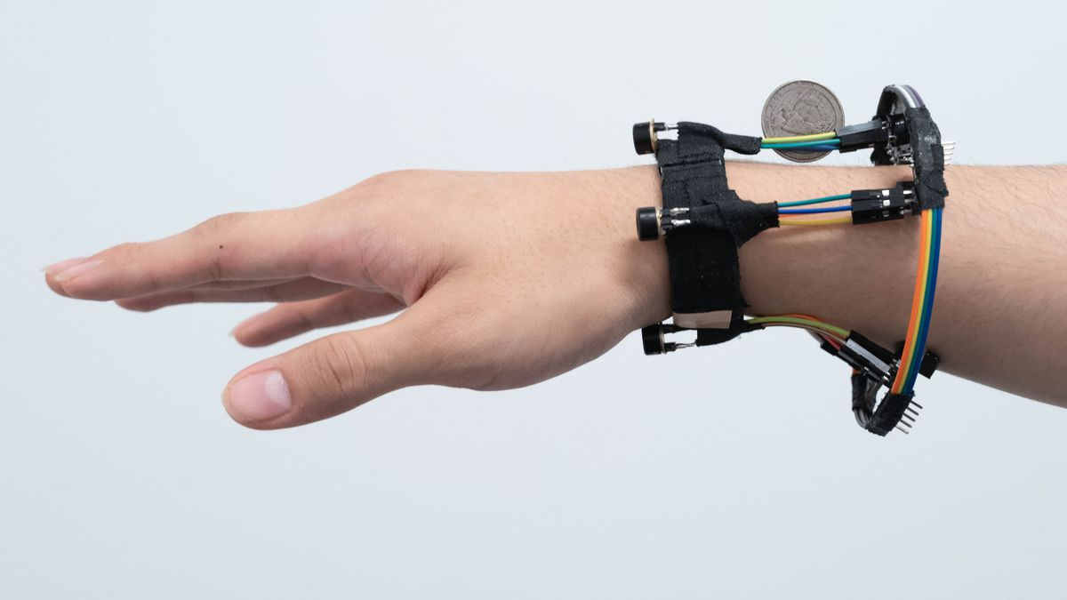 Researchers at UW worked alongside their colleagues at Cornell University to develop the Fingertrak
