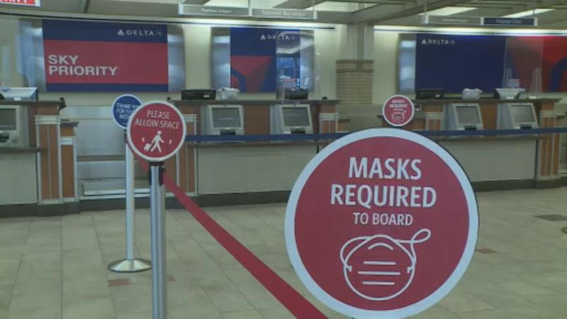 Airlines in Dane County Regional Airport require masks for boarding