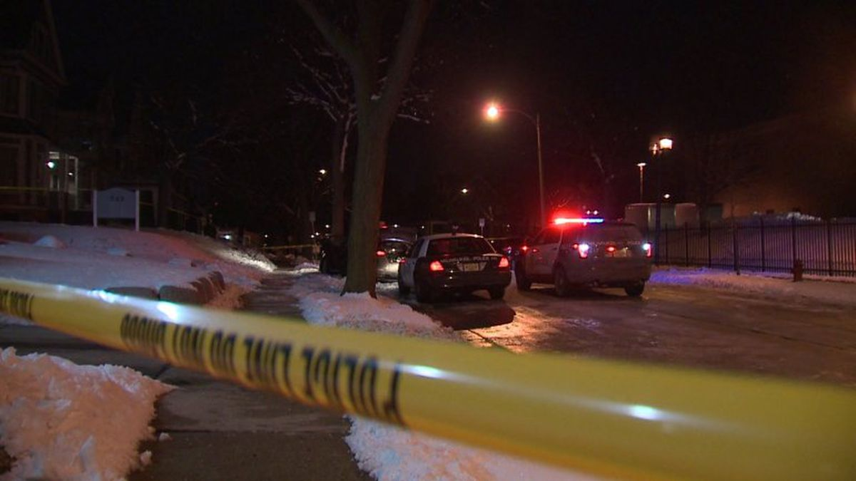 Milwaukee police officer dragged by vehicle trying to flee traffic stop on Milwaukee's North Side. (Fox6 Milwaukee)