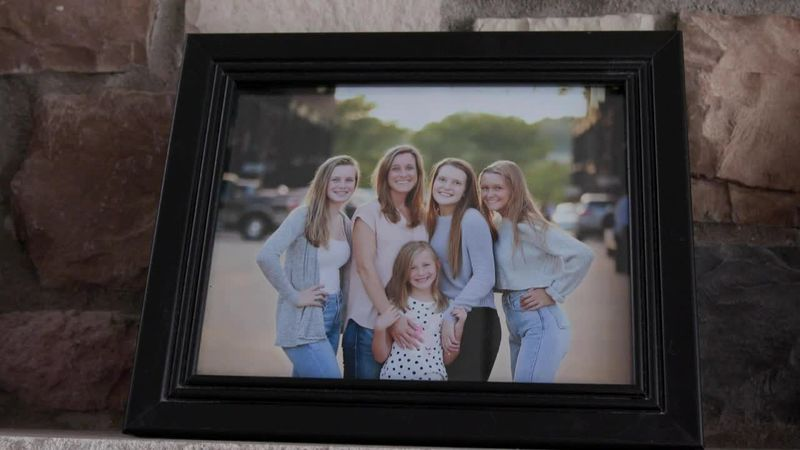 Marcia and her four daughters