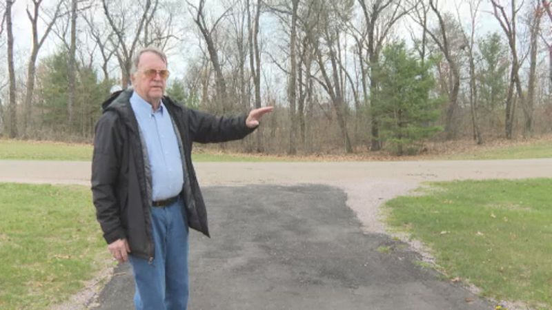 Wisconsin Dells veteran says he paid $3,000 for paving work that was never done.