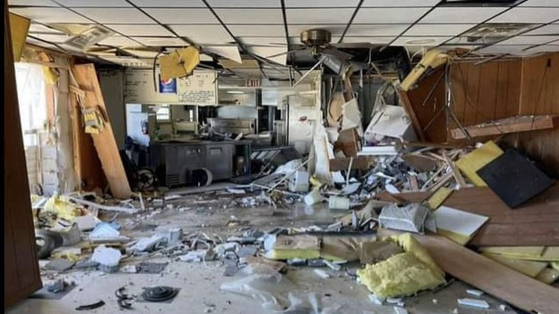 Anna's Pizzeria in ruins following crash.
