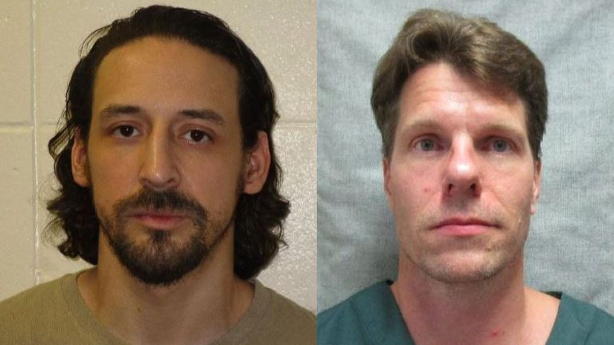 James Newman (left) and Thomas Deering escaped from Columbia Correctional Facility (Source: Portage Police Dept.)