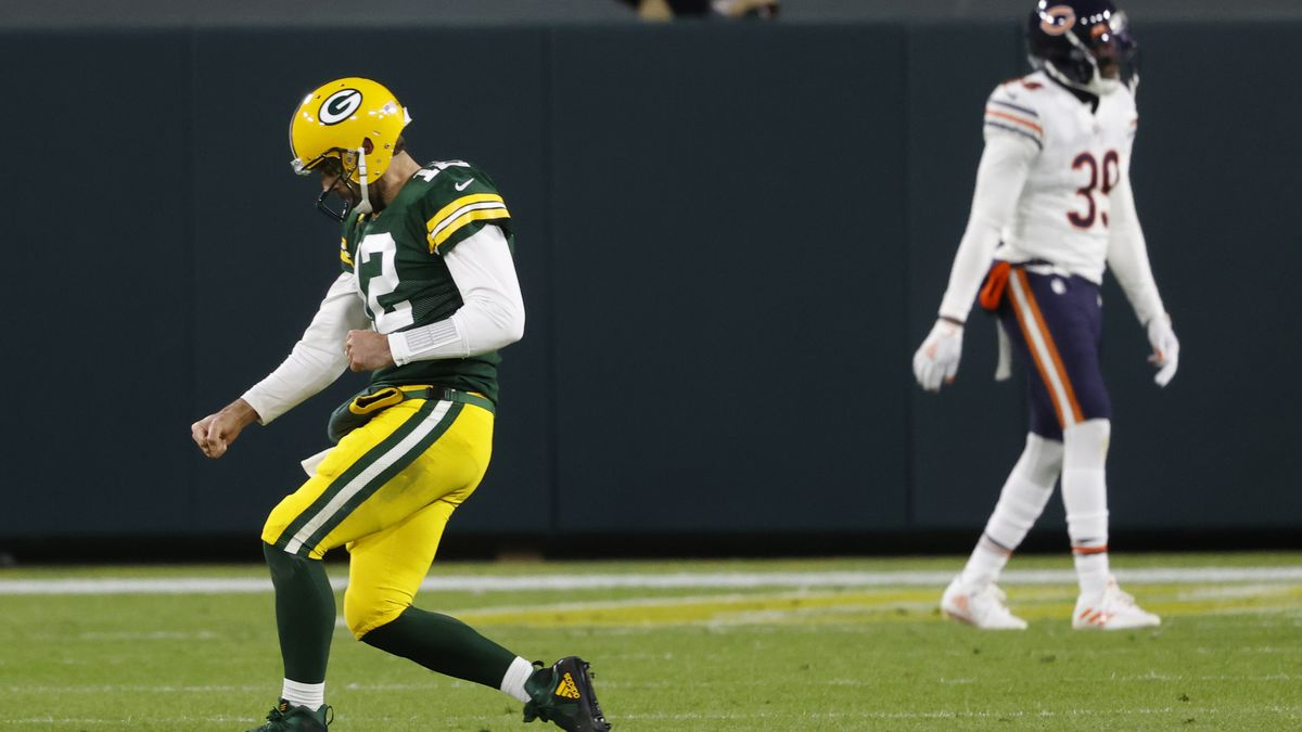 Packers Get 100th Win Against Chicago With 41 25 Offensive Beat Down Of Bears