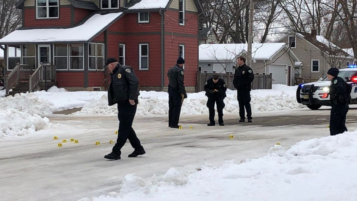 Madison police officers investigate shooting that sent two people to the hospital on Wednesday, January 29, 2020 (WMTV/Jeremy Nichols)